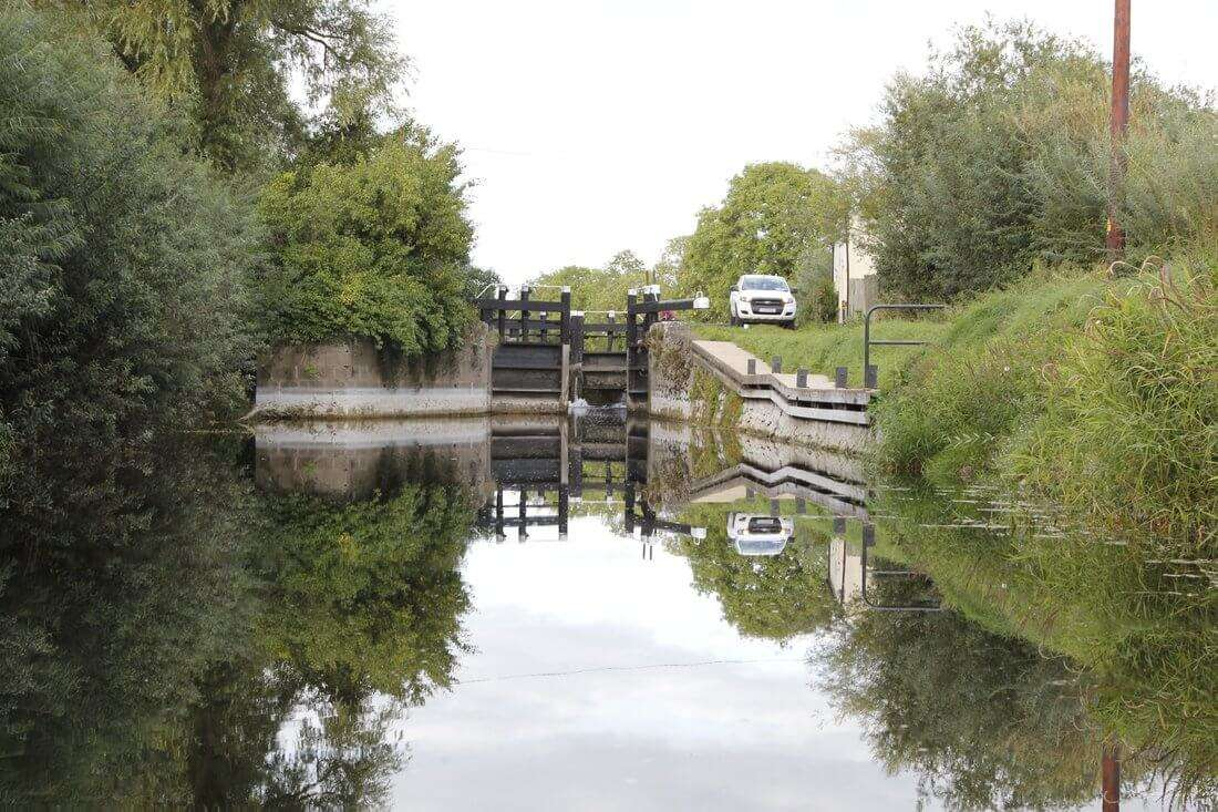 Approaching Maganey lock by river