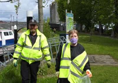 Volunteer litter pickers in Athy